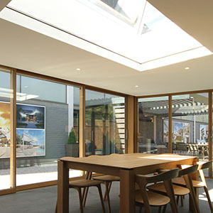 Concealed blinds for IQ Glass