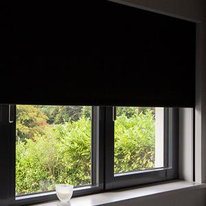 Hidden blinds in floor-to-ceiling glazing