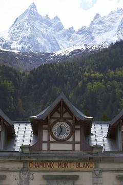 The Tour du Mont Blanc with Mountain Balance. Image courtesy www.martinhemsleyphotography.co.uk
