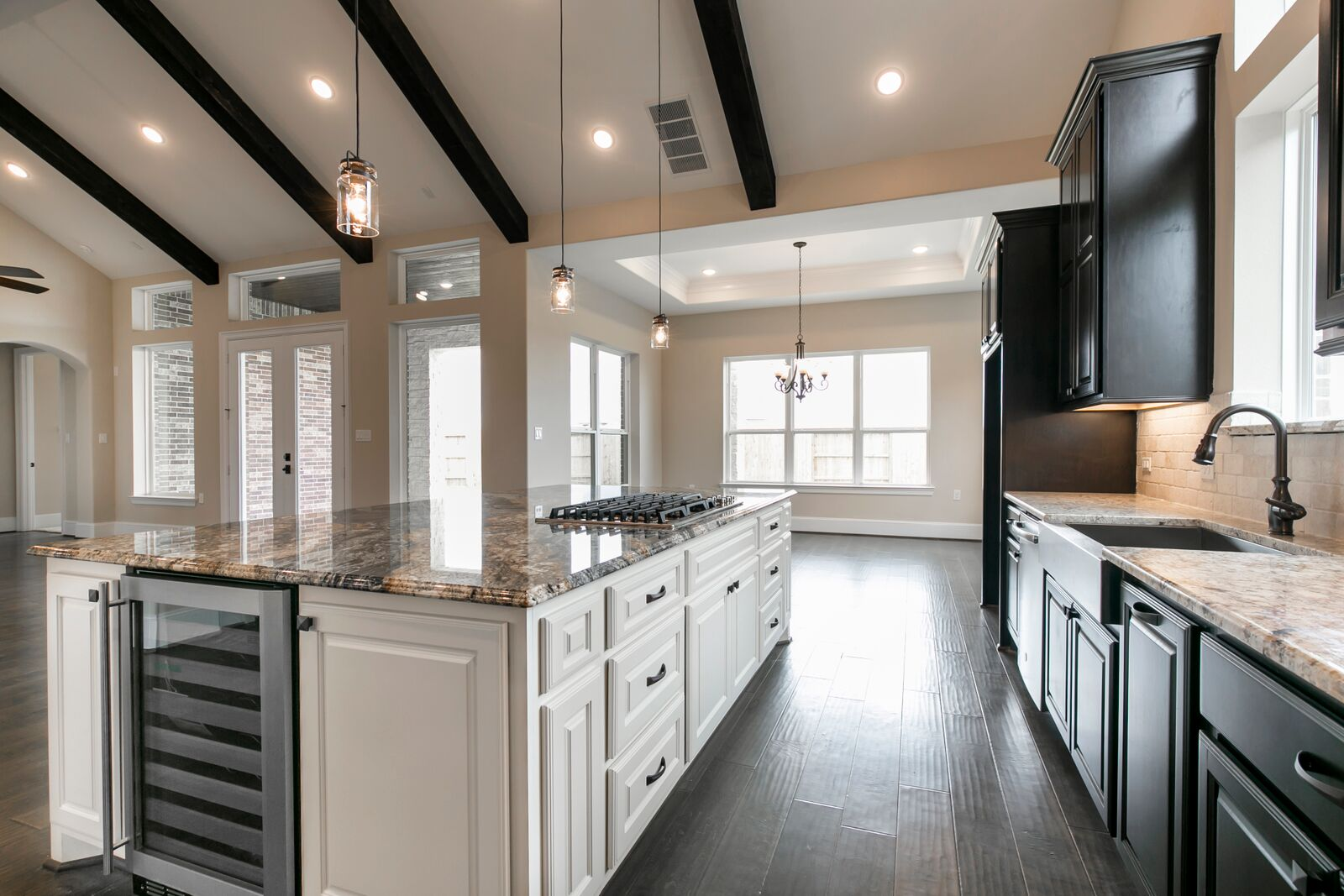 Custom Built Waterfront Homes in Cypress, TX