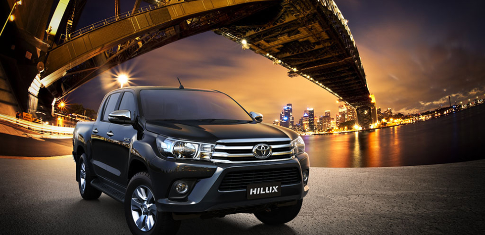 xe Toyota Hilux 2018