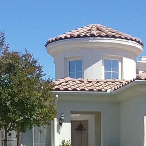 Picture of heat reducing tint on upper windows in a home in Menifee CA