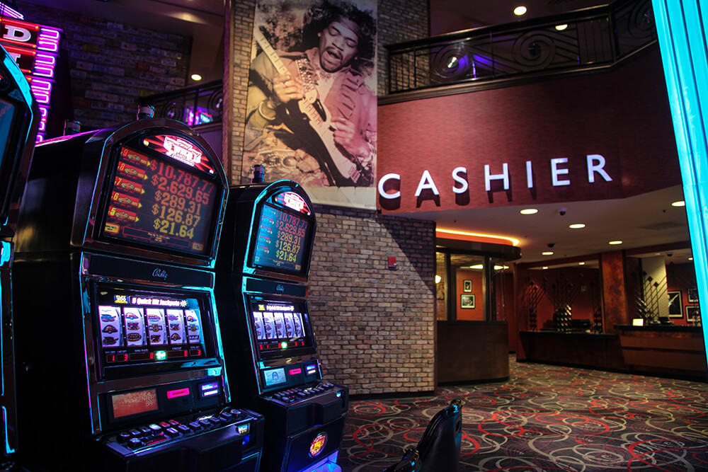 Among the slot machines are hundreds of styles and games to play, which means that whatever you like to play, you'll probably find it on the Hard Rock's casino floor. (Photo: Marc Rains)