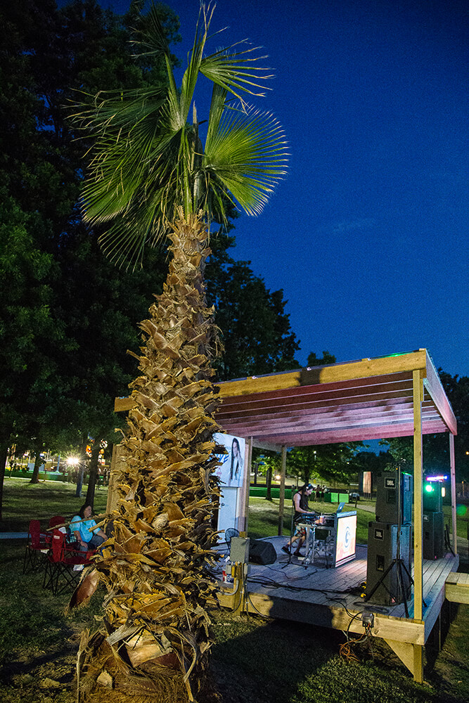 Thursday nights, the Shark Beach Bar comes even more alive with popular live bands, karaoke, drink specials, dancing, great food, and swimming under the stars. (Photo: Darcy Daniels)