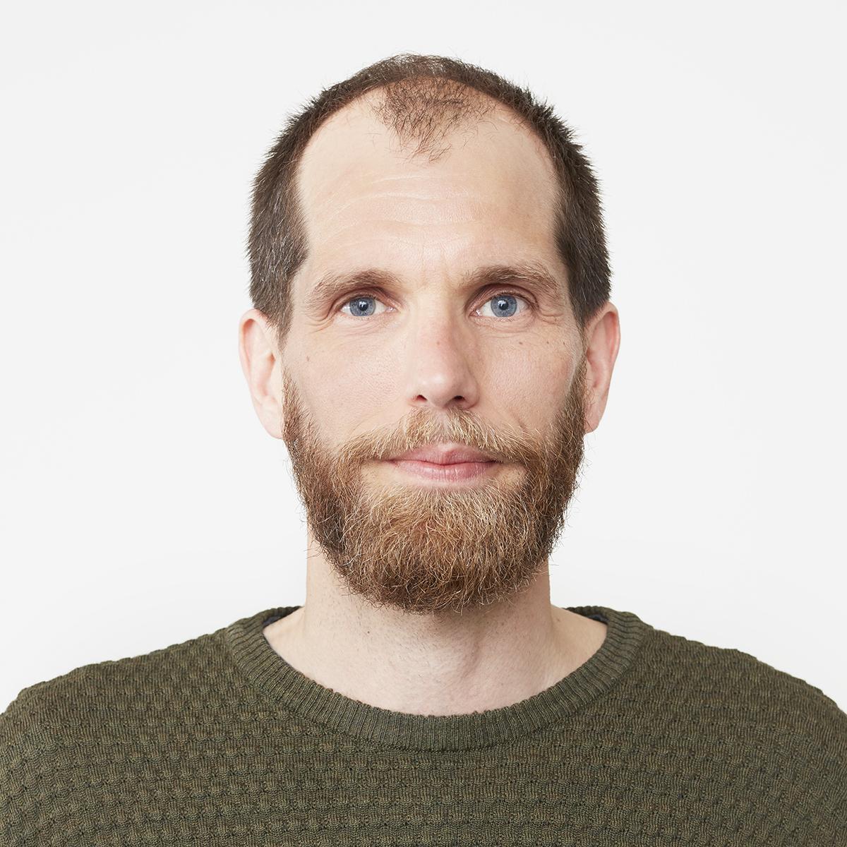 Alexander Knutgård, grafisk designer och frilans