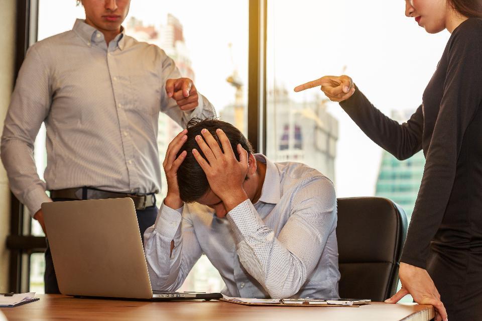 9 Career Killing Social Media Mistakes To Avoid