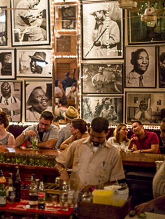 Bartender at Café Havana in Cartagena.