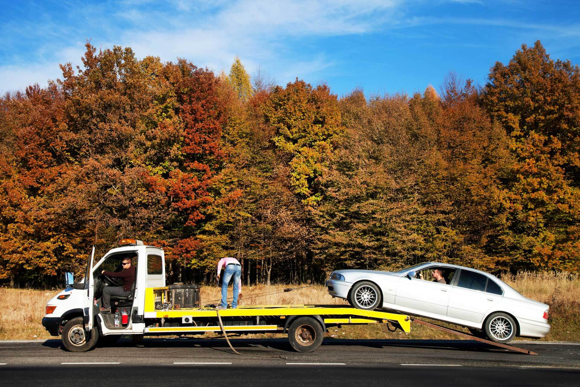 fast reliable long distance towing services urgently on demand roadside assistance