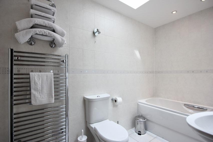 Bathroom in the Hayshed Cottage