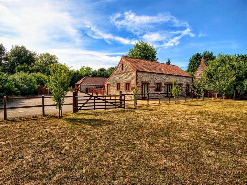 Malthouse Farm Barns - Paddock