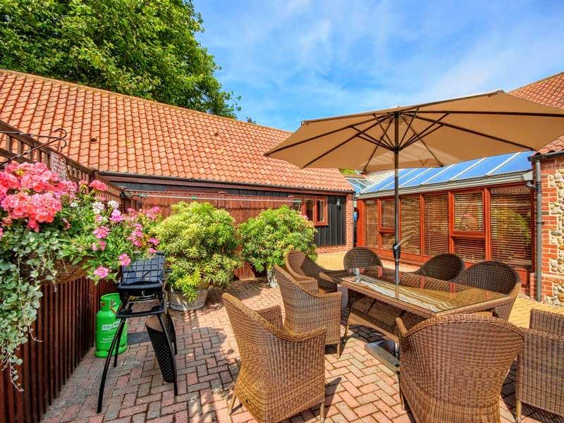 Malthouse Farm Barns - Courtyard