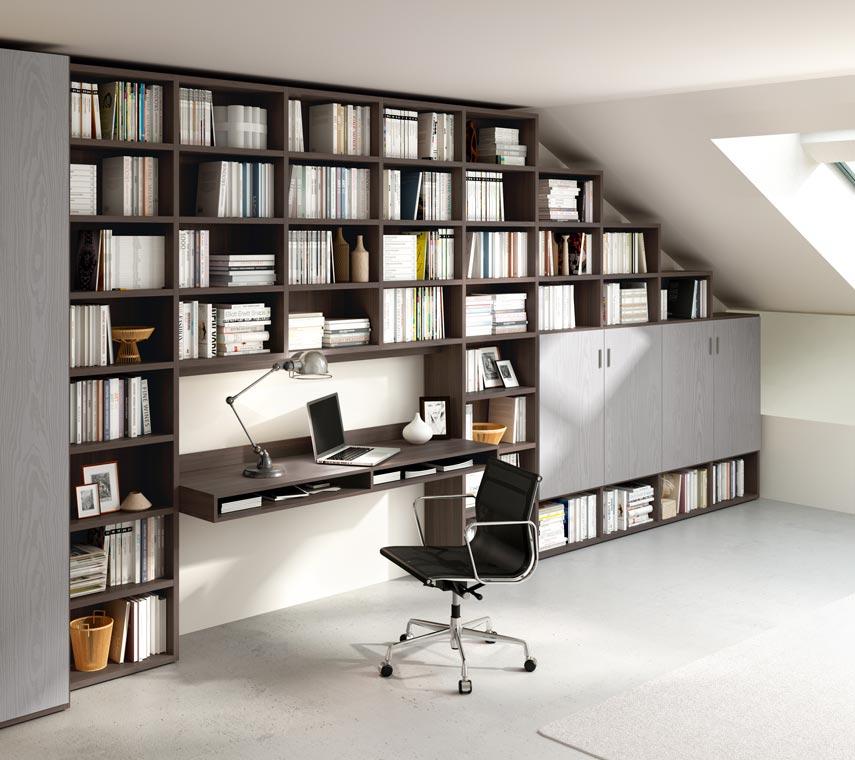 Photo d'une bibliothèqe dans un bureau