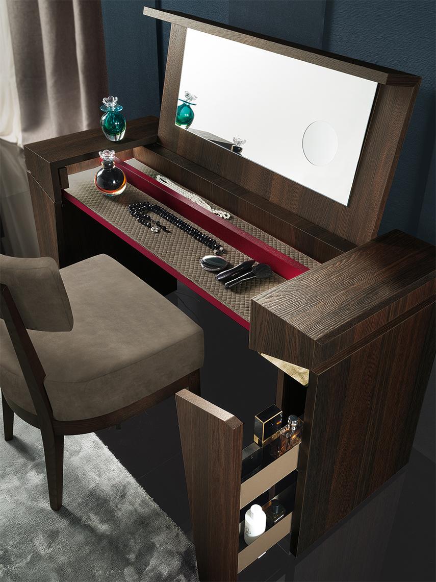 Accademia Bedroom Vanity Details