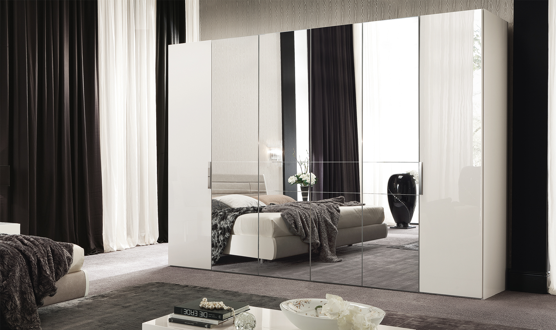 Canova Bedroom 6 D Swinging Wardrobe