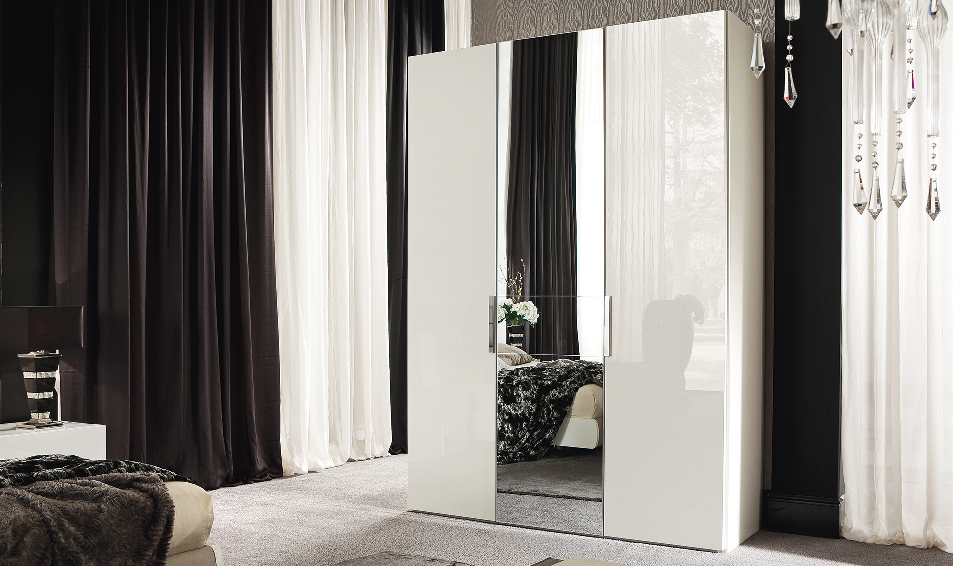 Canova Bedroom 3/D Swinging Wardrobe