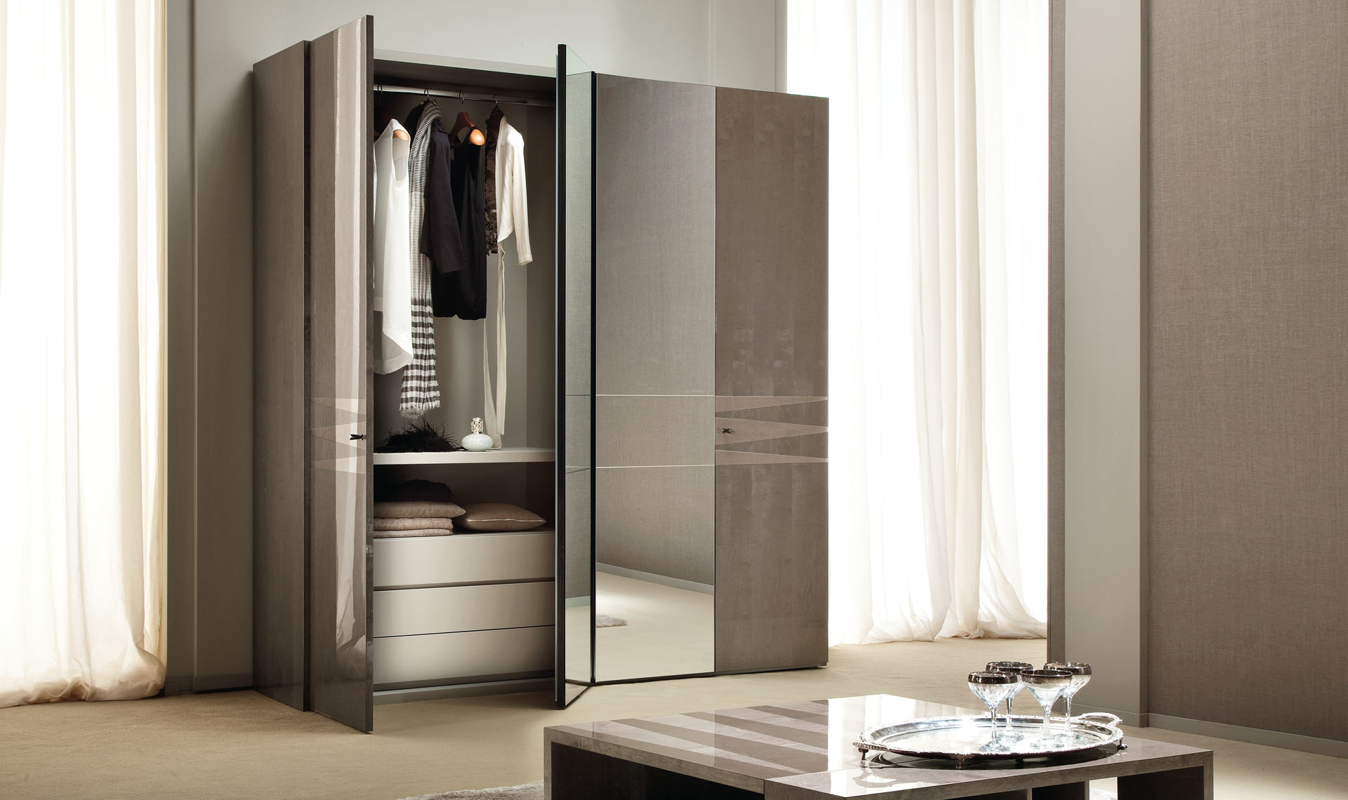 Monaco Bedroom 4/D Swinging Wardrobe Details