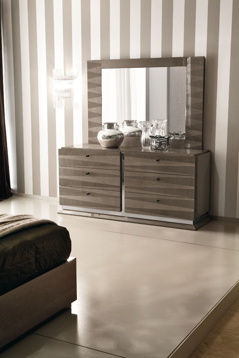 Monaco Bedroom 6/DRW. Dresser & Mirror