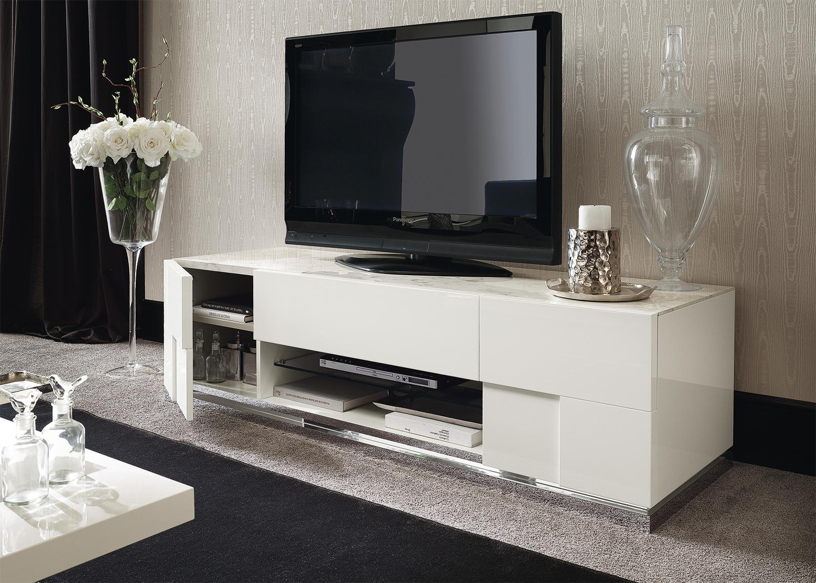 Canova TV Base and Curio Details