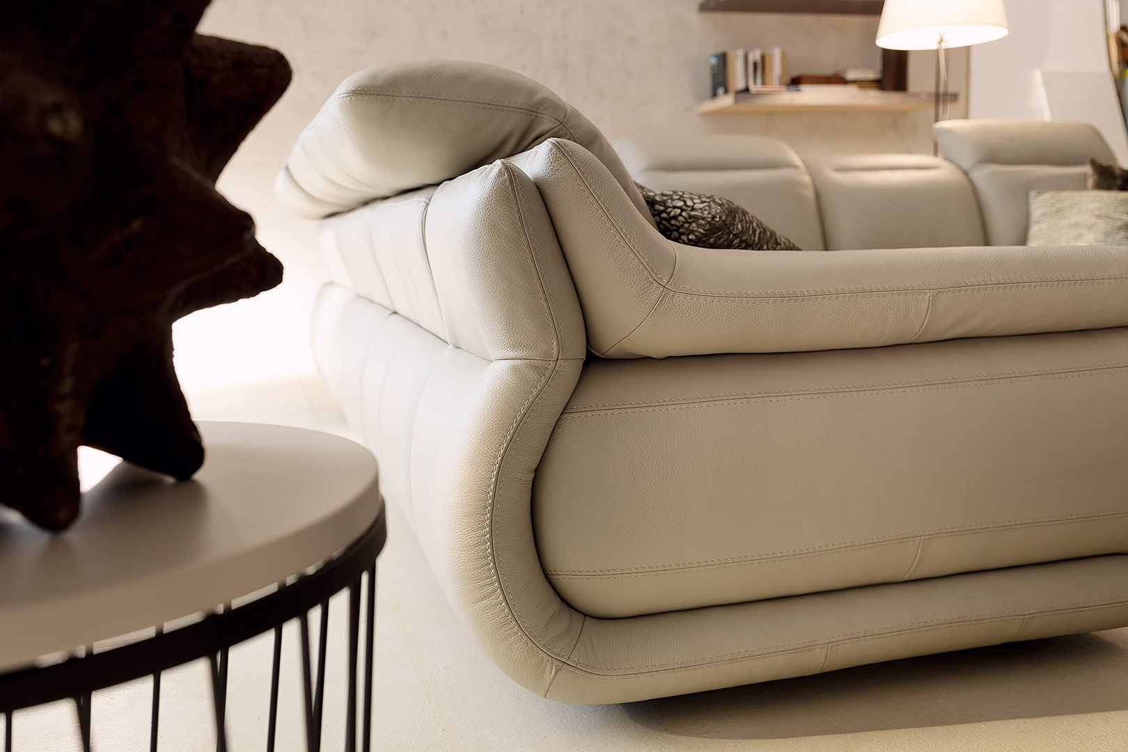 Indianapolis leather sofas deluxe partial view 2