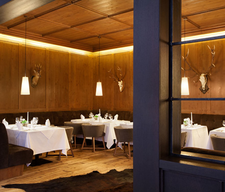 Architectural photography of Restaurant Steingberg at Kempinski Hotel Das Tirol in Austria