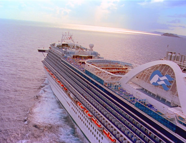 Princess Cruise Ship sailing across ocean for Expedia Cruise Ship Centers 1-day sale promotion video