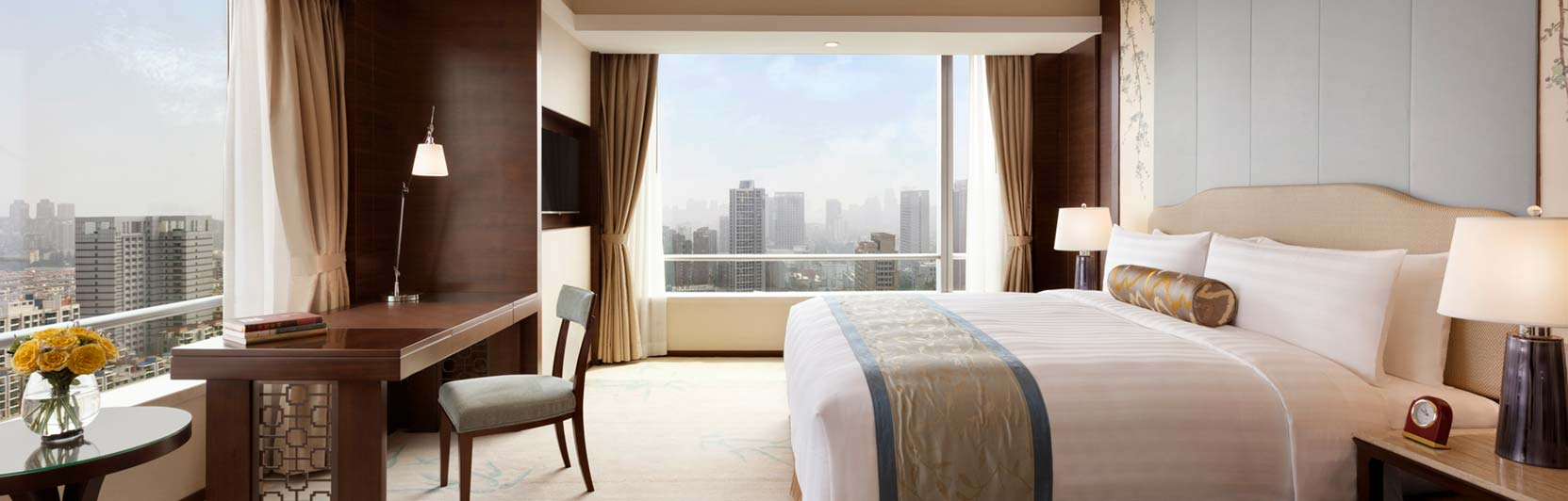 Hotel photography of the executive king suite at Shangri-La Hotel Hefei in China