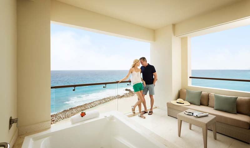 Hyatt Ziva Cancun lifestyle photography of couple in Jacuzzi Balcony Suite