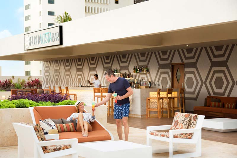 Hyatt Ziva Cancun lifestyle photography of couple at the Rooftop Bar