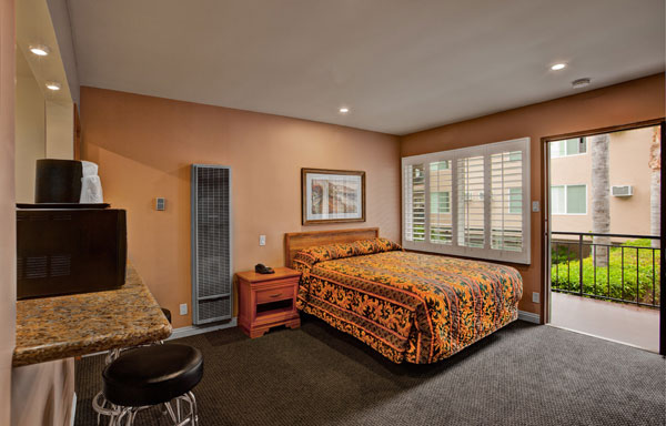 Dunes Inn Wilshire Single Bed 02