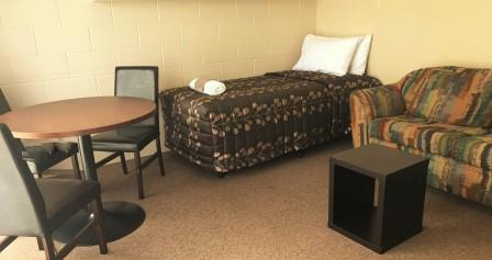1 Bedroom Unit Living Area - Anderson Park Motel