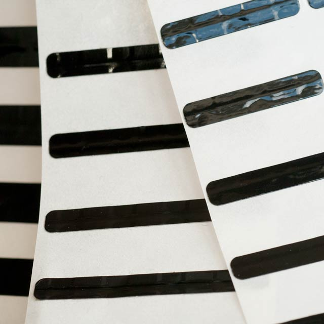 EM Label, Black