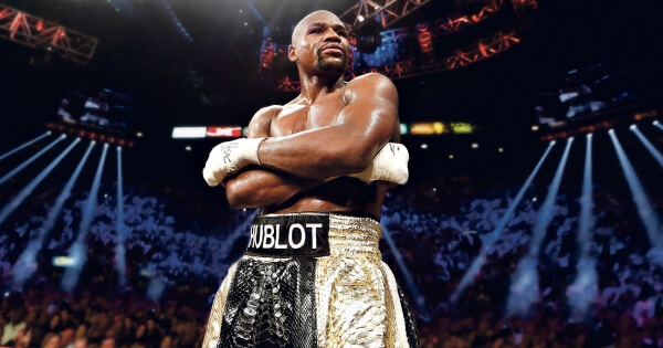 Floyd Mayweather returns to the ring in fabulous Las Vegas