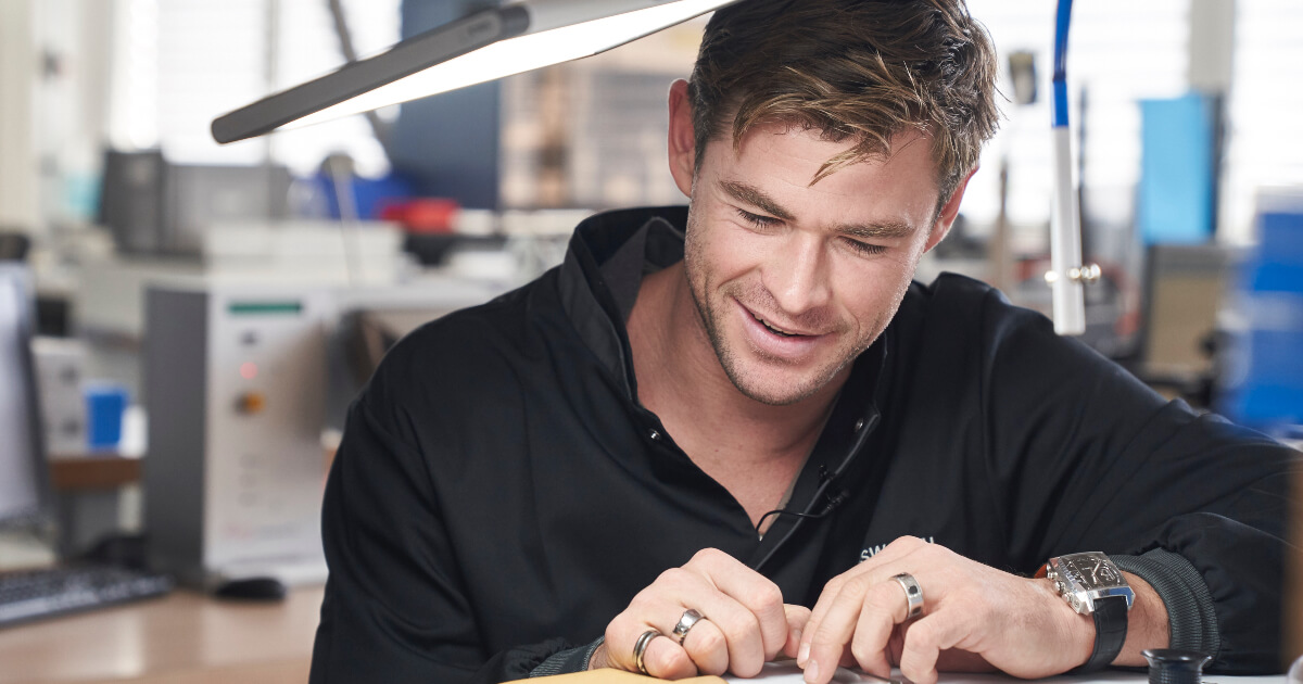 TAG Heuer welcomes Brand Ambassador Chris Hemsworth in its Manufacture
