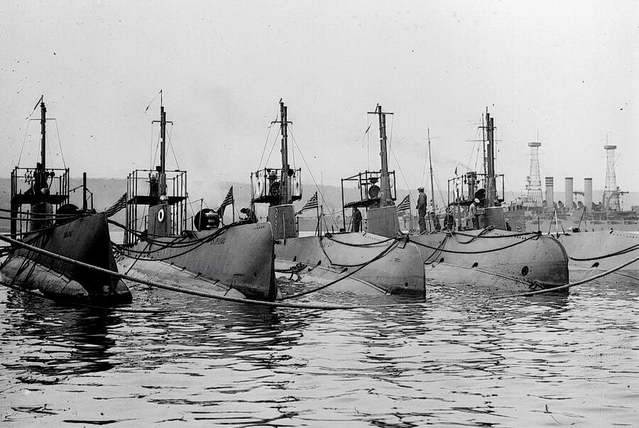 US Navy submarines circa 1942