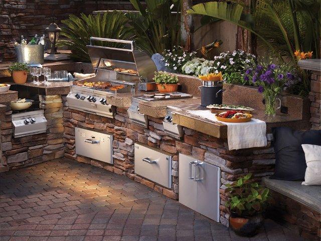 Ledgestone Outdoor Kitchen
