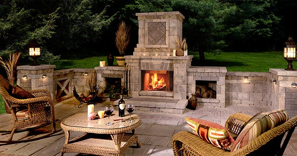 Outdoor Pavestone Fireplace on Patio