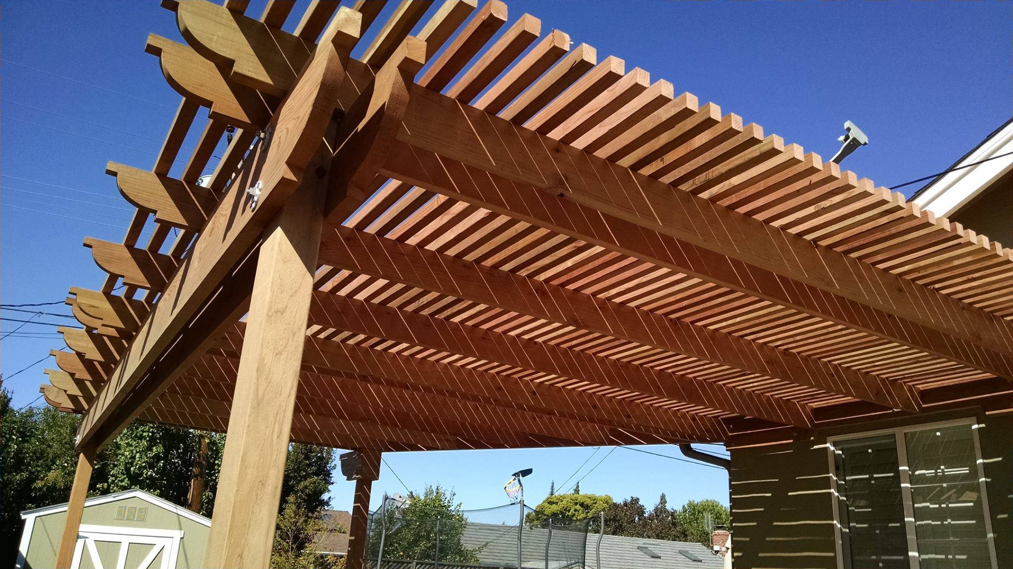 Pergola focusing on the 2x2 Slats