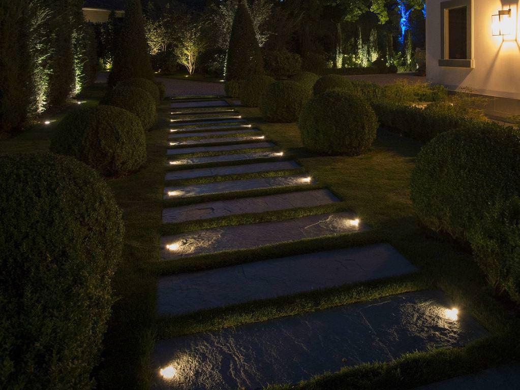 Residential Walkway Lighting