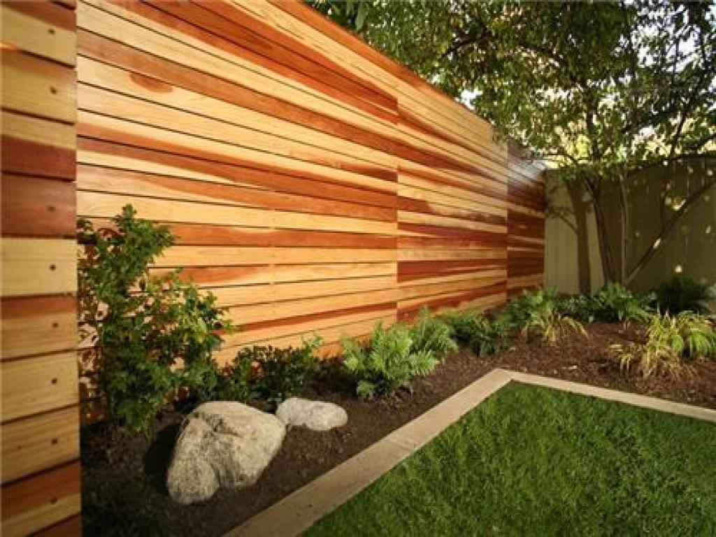 Modern - Horizontal Fence