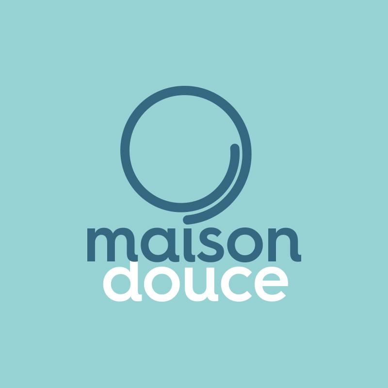 Yobologo Rennes création de logo et identité visuelle pour l'entreprise Bretonne Maison Douce