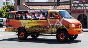 hollywood tour van