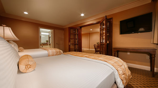 Best Wester PLUS Sunset Plaza Two Room Suite