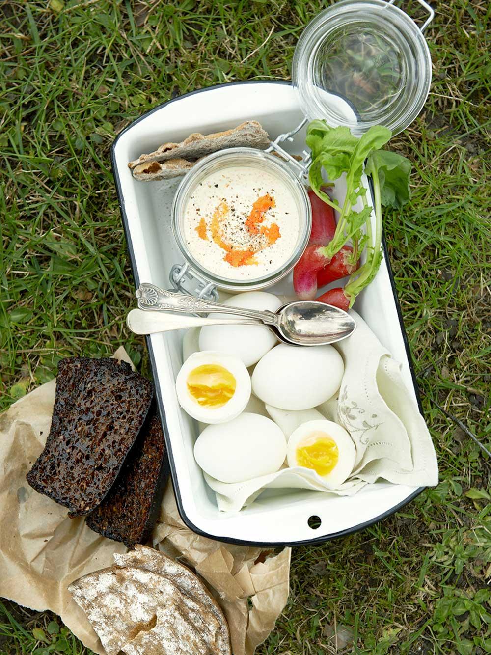 Kokta ägg med romröra