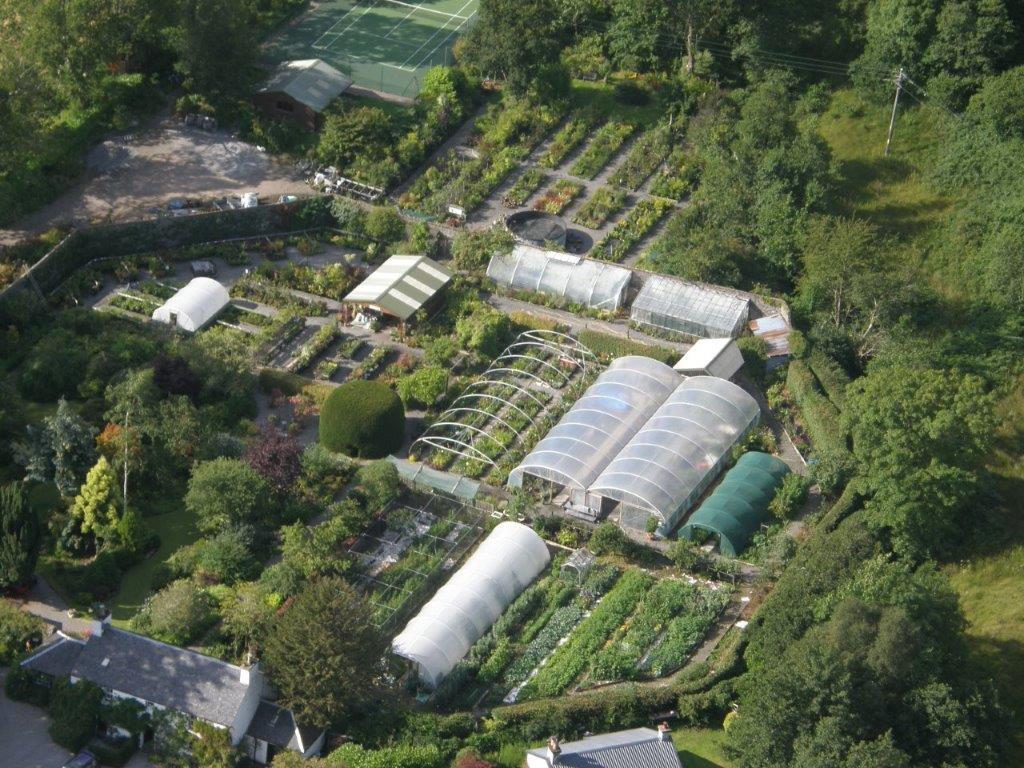 Kinlochlaich Gardens