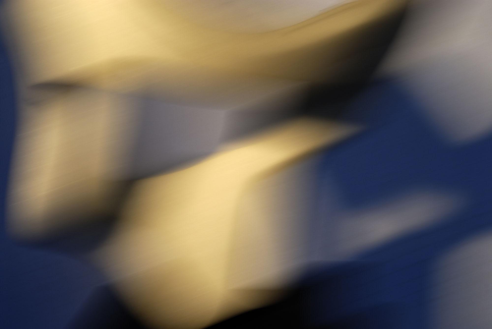 Foto van vage blauwe en gele vormen geblokt