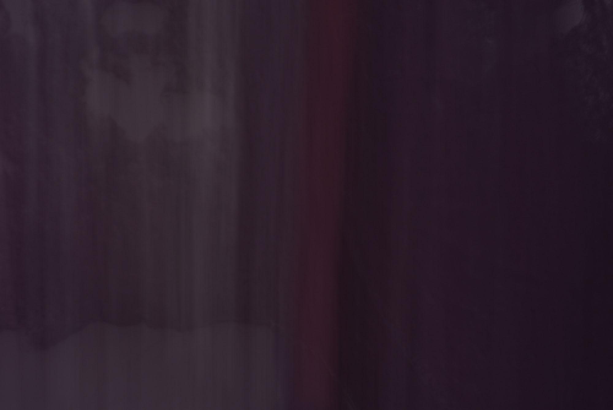 Foto van vage paarse vormen met rood