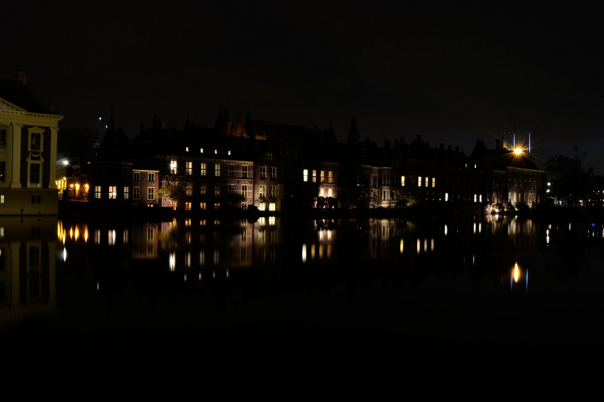 Hofvijver Den Haag bij nacht