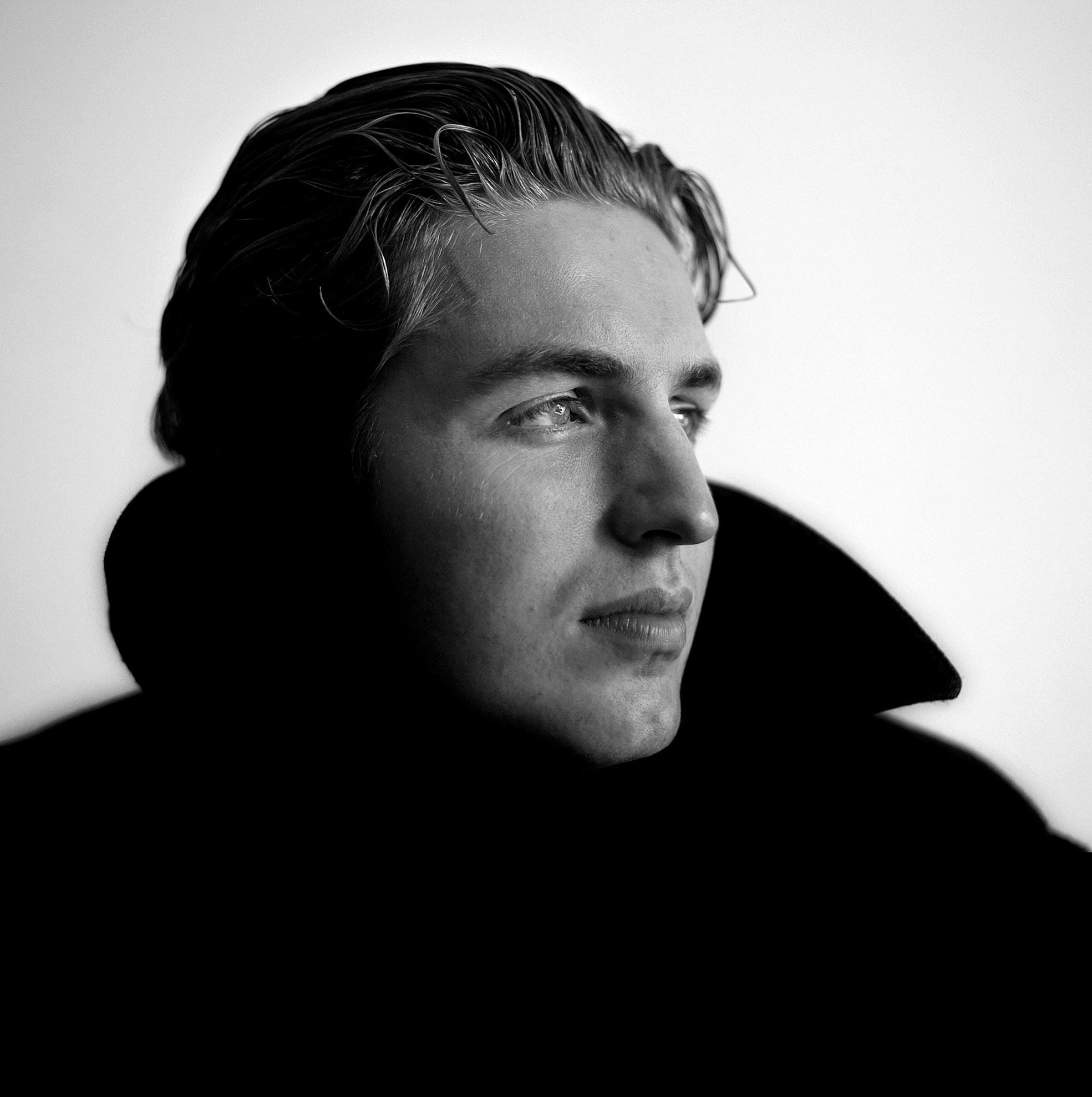 Pieter van den Hoogenband zwartwit portret