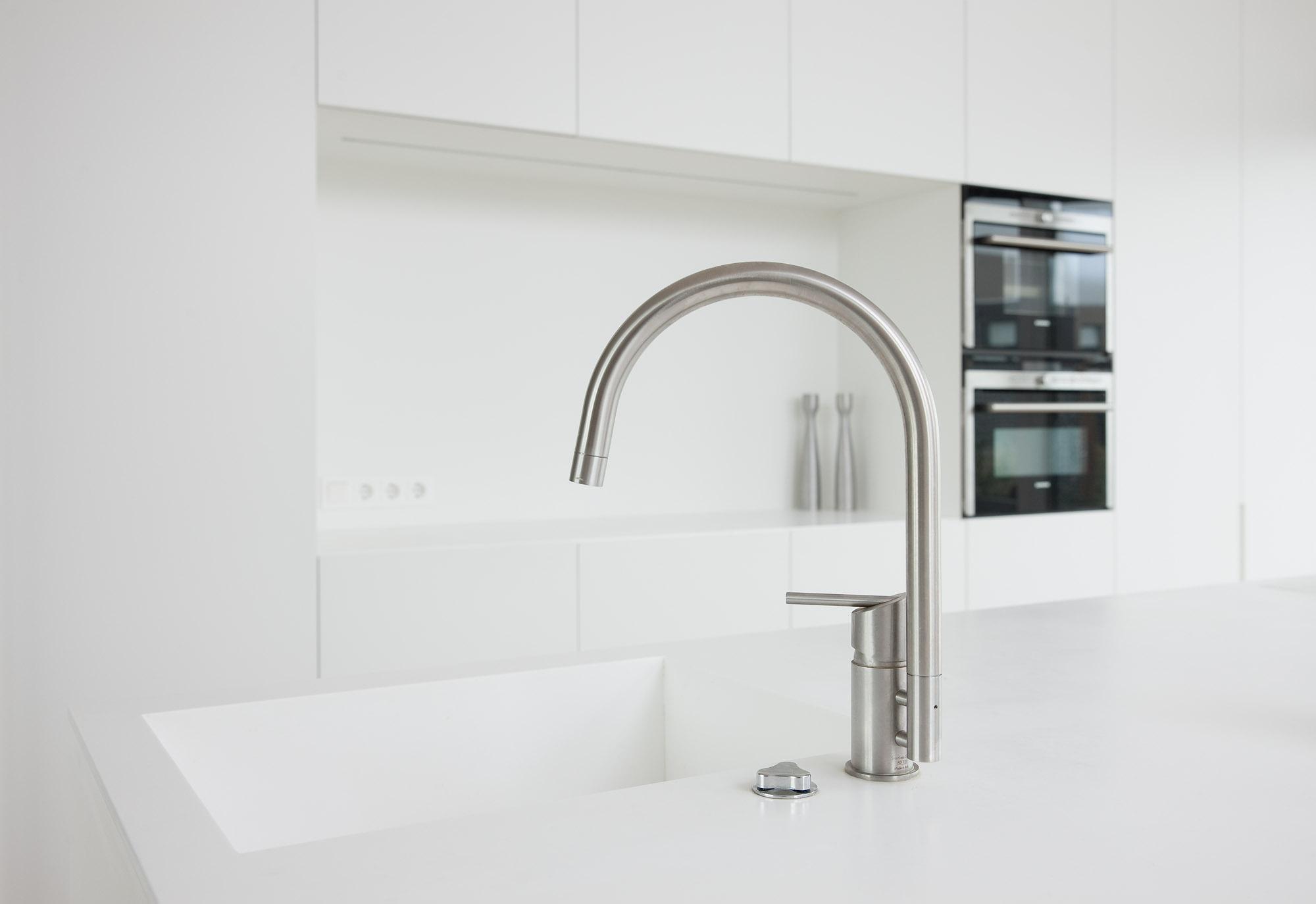 Deze keuken is superstrak ontworpen en ja, er wordt ook echt in gekookt.