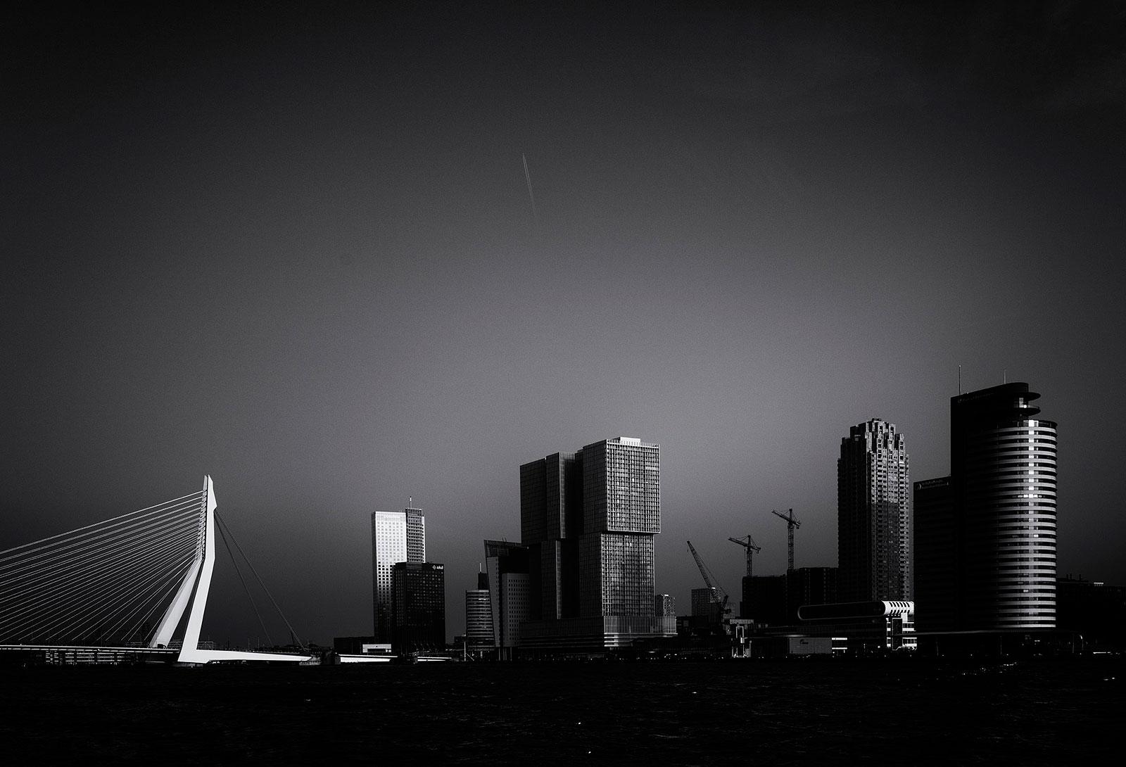 Skyline van Rotterdam, de snel ontwikkelende stad van Nederland.